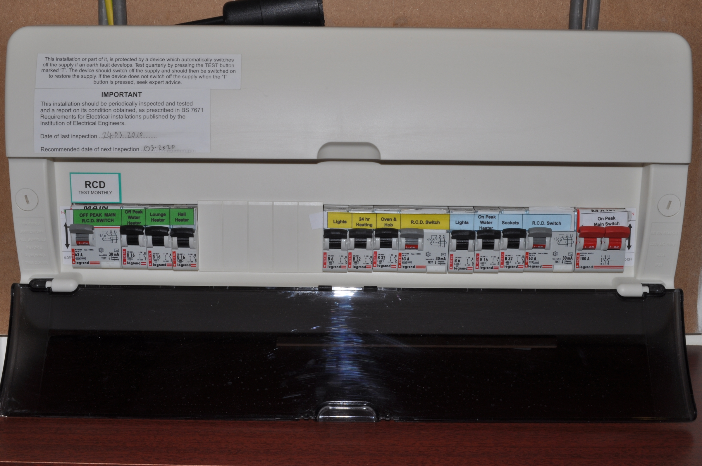 picture gallery a modern fuse box circuit breakers and rcds